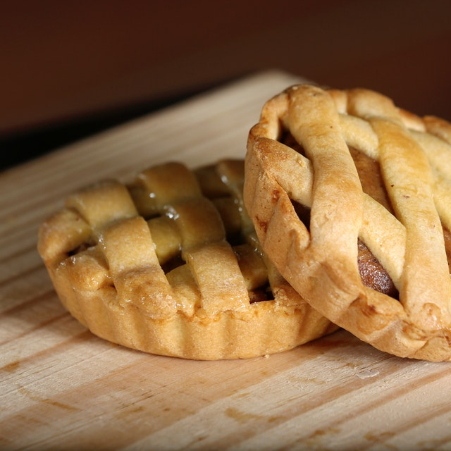 A picture of apple pie to denote a gluten free apple pie you can get a gluten free bakery in Thunder bay